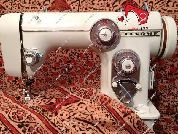 چرخ خیاطی ژانومه مدل ۶۷۲ دستگاه ژتونی ساخت ژاپن میباشد. مناسب برای مصرف خانگی، نیمهحرفهای، حرفهای و صنعتی. بدنهی فلزی، بسیار مقاوم.