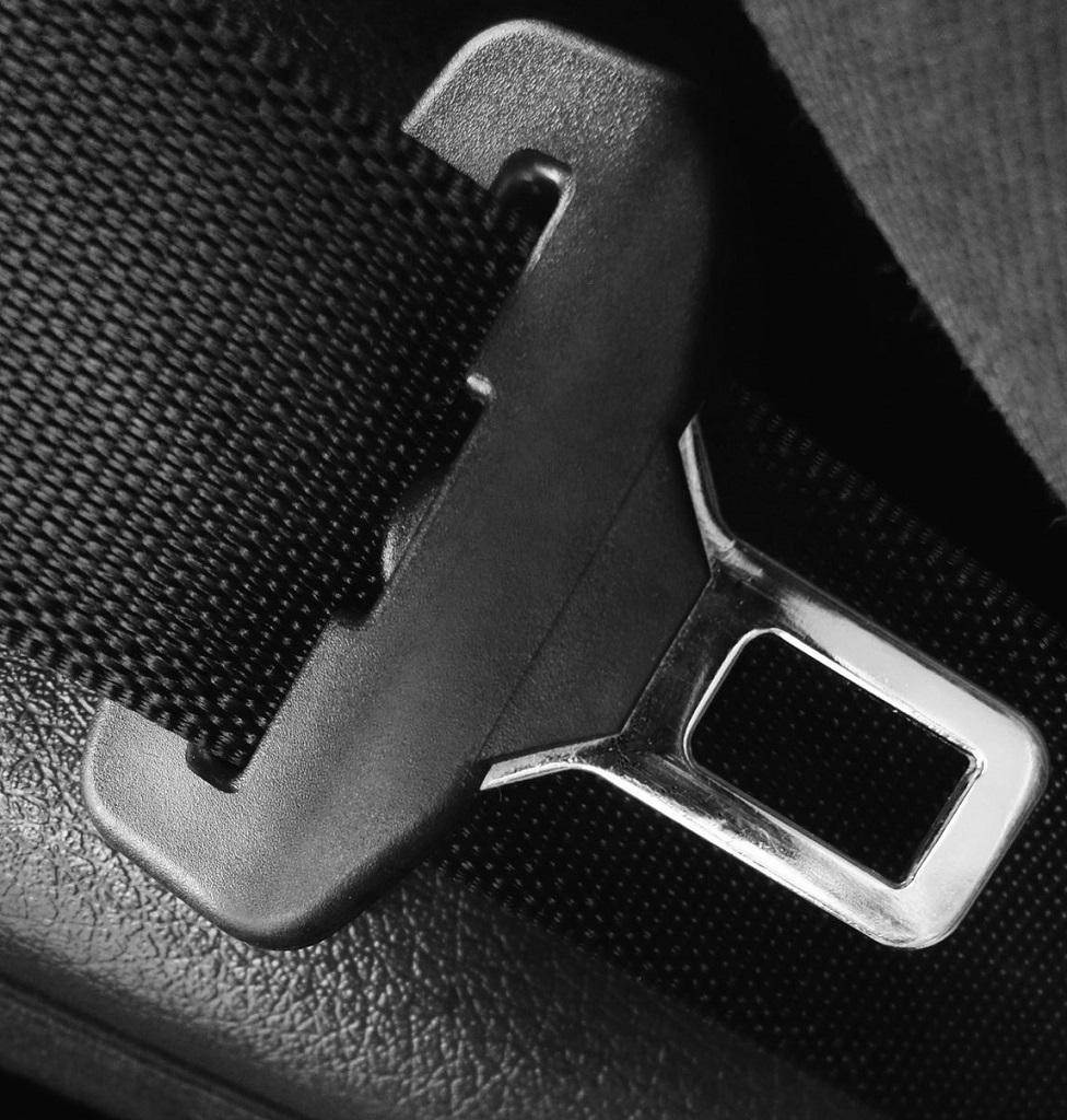 ماشینآلات مورد نیاز بهمنظور دوخت کمربند ایمنی خودرو